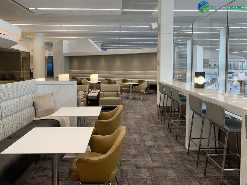 Work and dining spaces at the new United Club LGA