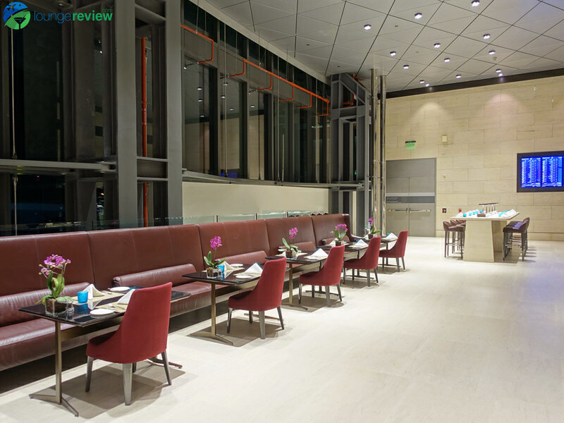 DOH qatar airways al safwa first lounge doh 05480 800x600