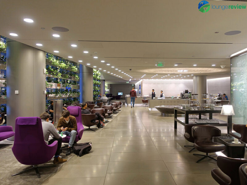 DOH qatar airways business class lounge doh 05008 800x600