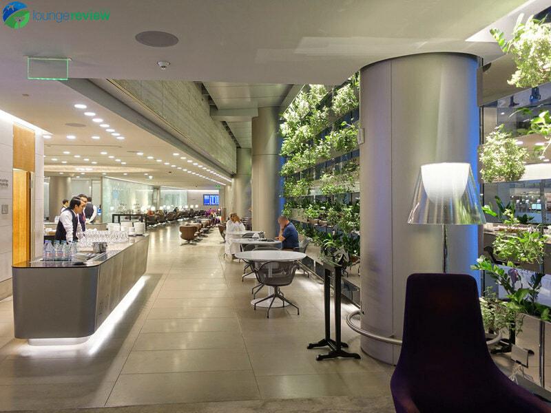 DOH qatar airways business class lounge doh 05026 800x600