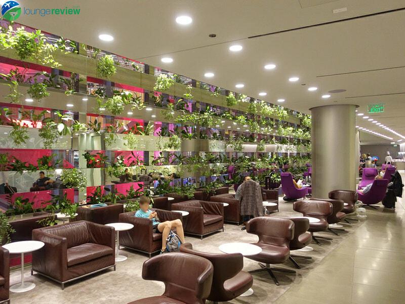 DOH qatar airways business class lounge doh 05050 800x600