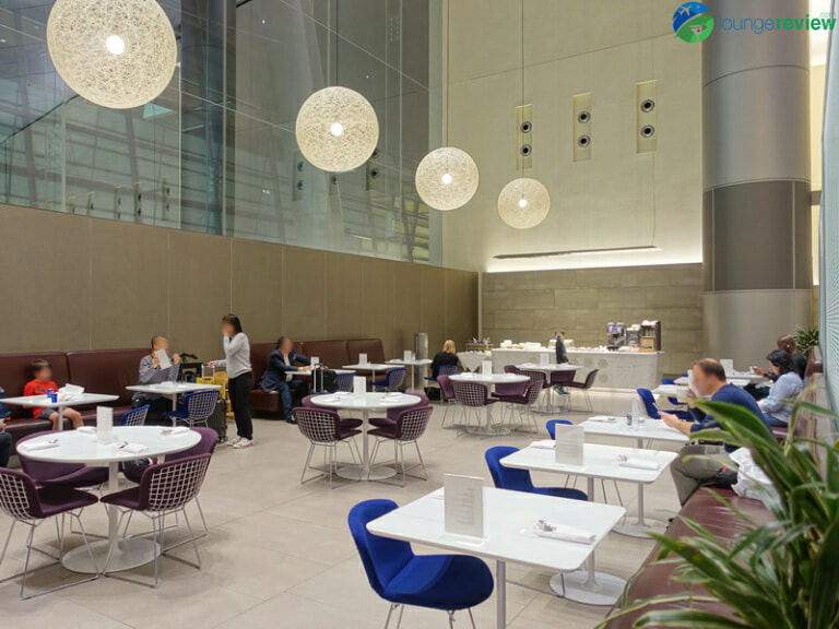 DOH qatar airways al mourjan lounge doh 05218 768x576