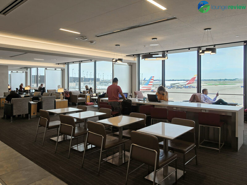 ORD american airlines flagship lounge ord 04182 800x600