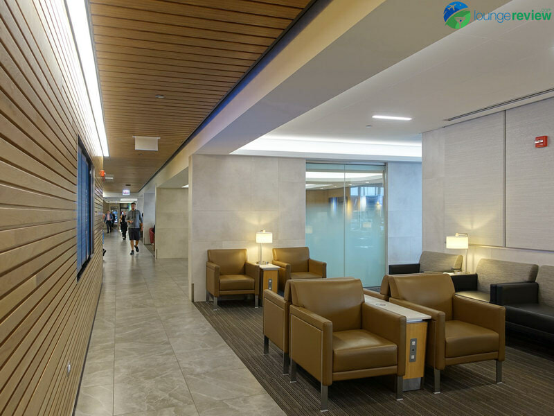 ORD american airlines flagship lounge ord 04236 800x600