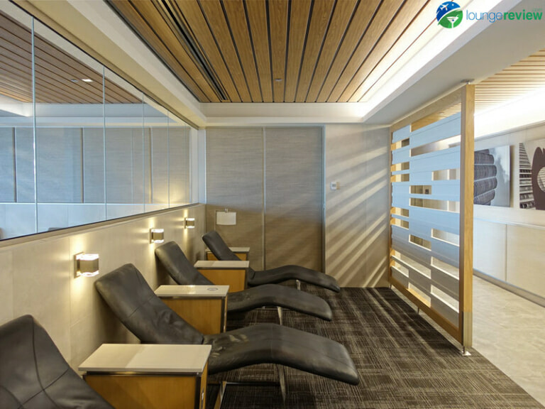 ORD american airlines flagship lounge ord 04264 768x576