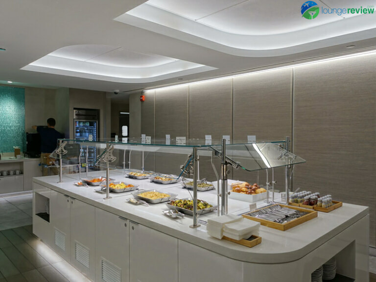 ORD american airlines flagship lounge ord 04302 768x576