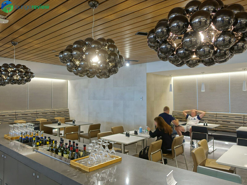 ORD american airlines flagship lounge ord 04308 800x600