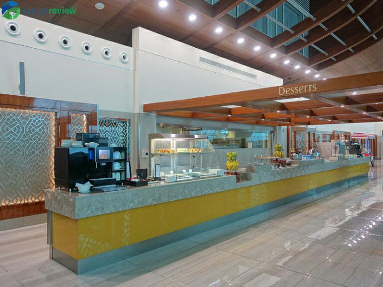 DXB emirates business class lounge dxb concourse b 08323 768x576