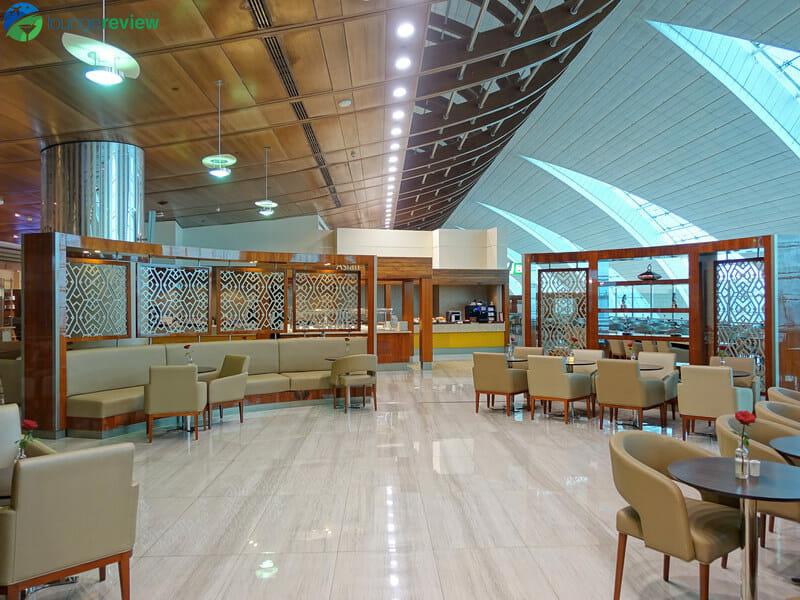 Emirates Business Class Lounge - Dubai International (DXB) Terminal 3 Concourse B