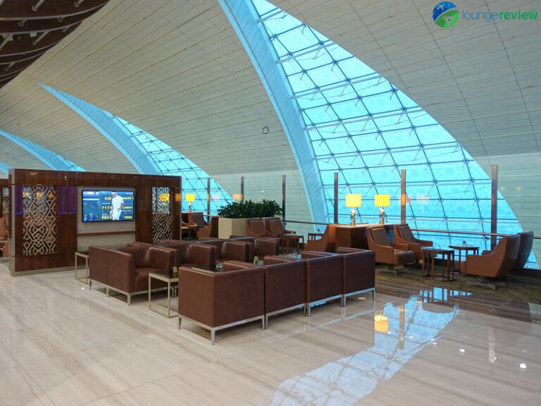 DXB emirates business class lounge dxb concourse b 08433 768x576
