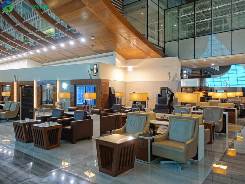 DXB emirates business class lounge dxb concourse b 08463 800x600
