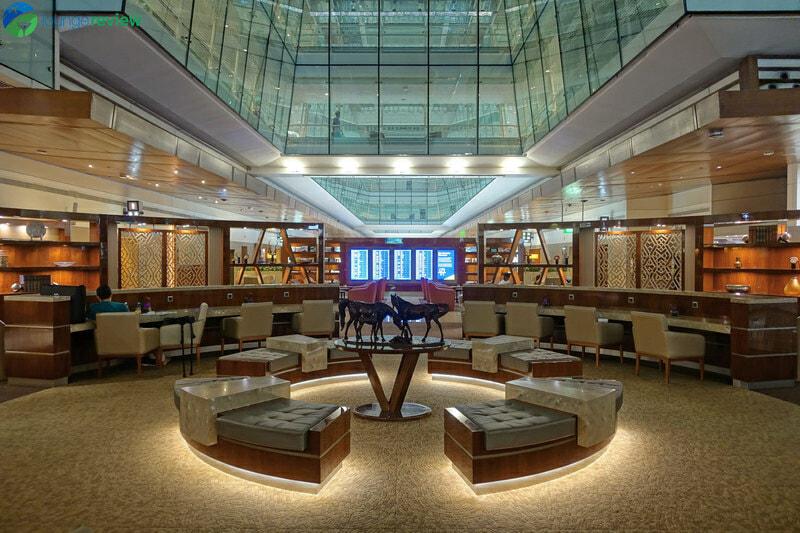 DXB emirates business class lounge dxb concourse b 08519 800x533