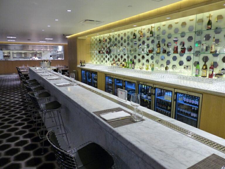 LAX oneworld first class lounge lax 8568 768x576