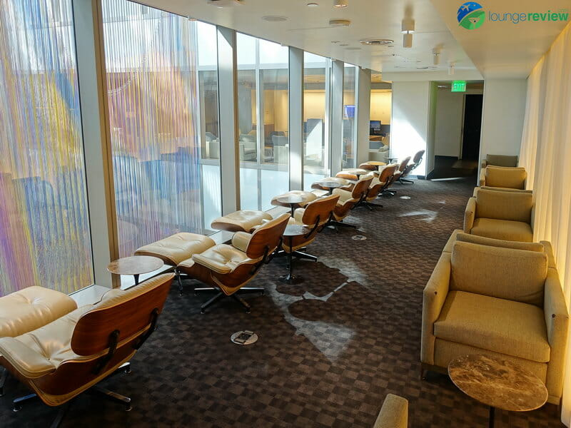 oneworld Los Angeles Lounge - Los Angeles, CA (LAX)