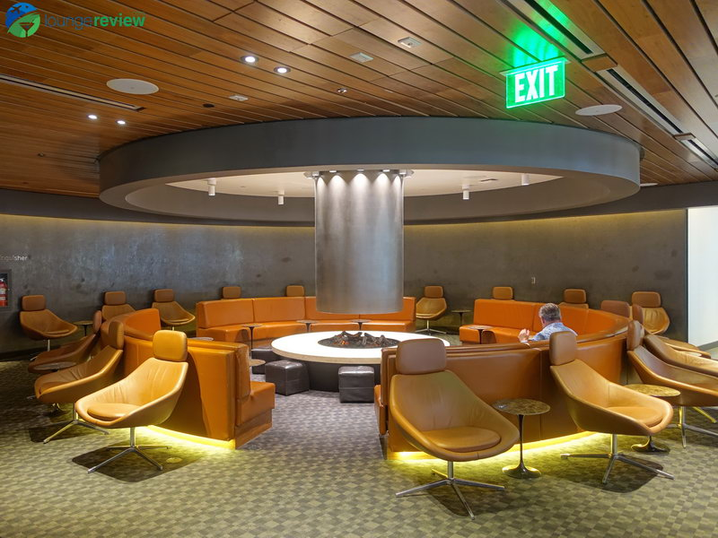 LAX oneworld los angeles lounge 06006
