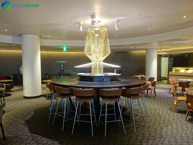LAX oneworld los angeles lounge 06016