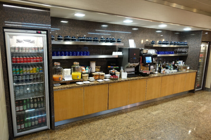 LHR american airlines flagship lounge lhr t3 2885 800x533