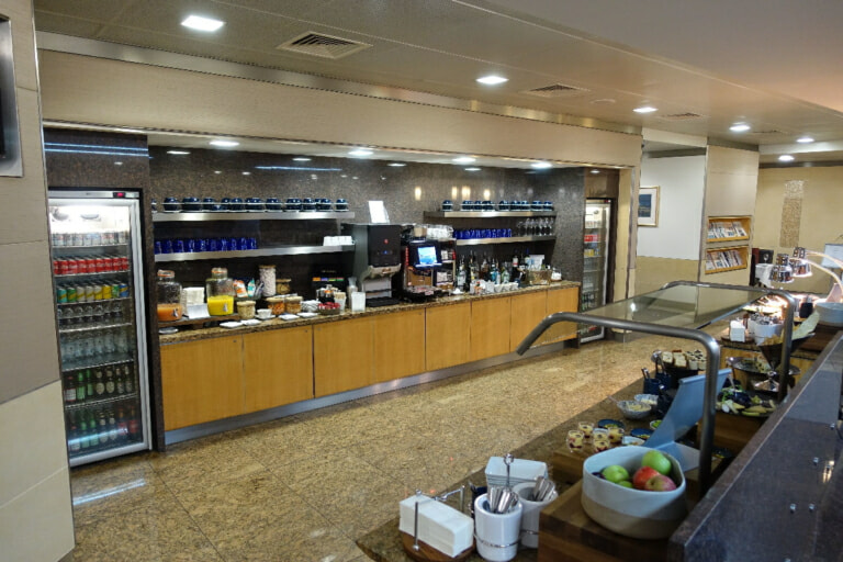 LHR american airlines flagship lounge lhr t3 9510 768x512