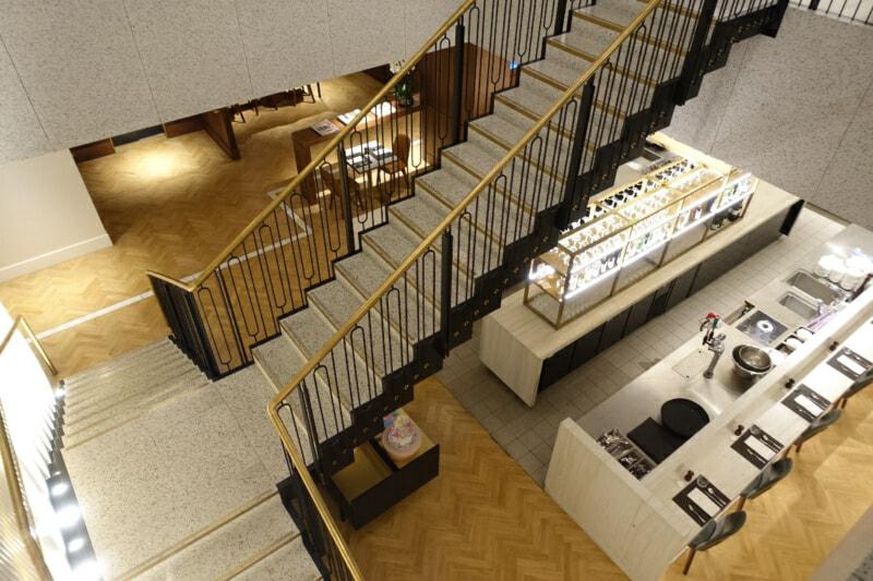 LHR qantas london lounge lhr 2045 800x533