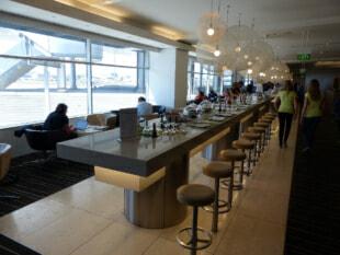 SYD qantas international business lounge syd 9313 310x233