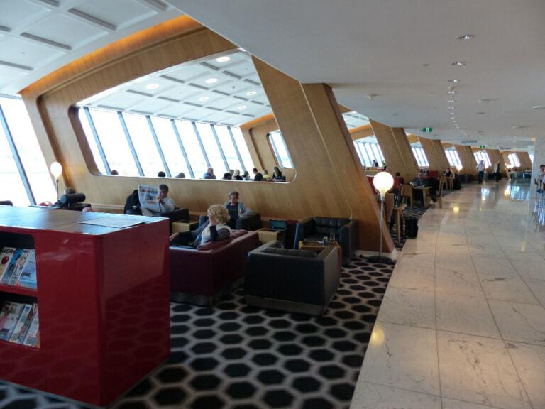 SYD qantas international first lounge syd 3753 768x576
