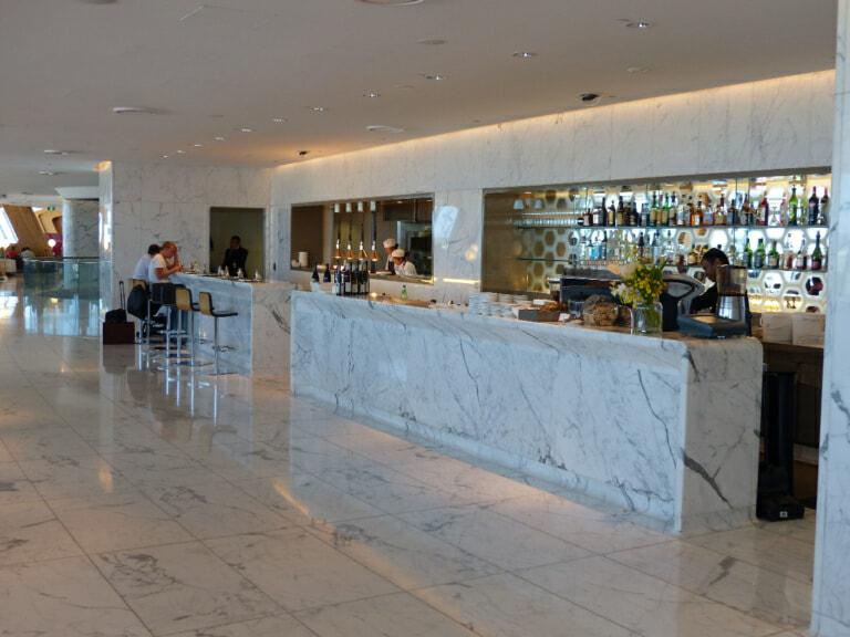 SYD qantas international first lounge syd 9866 768x576