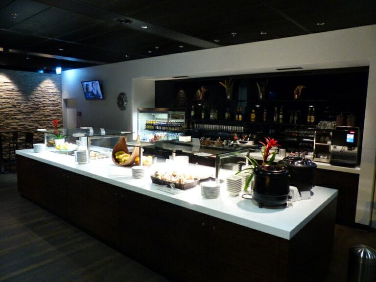 ZRH swiss business lounge zrh terminal d 4953 768x576