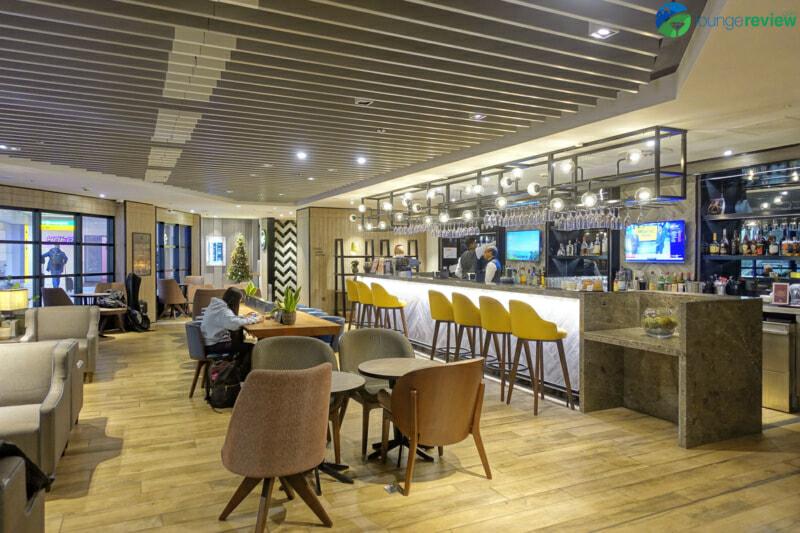LHR plaza premium arrivals lounge lhr terminal 4 00103 800x533