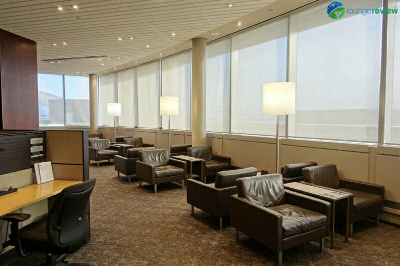 YYZ air canada maple leaf lounge yyz domestic 07763 800x533