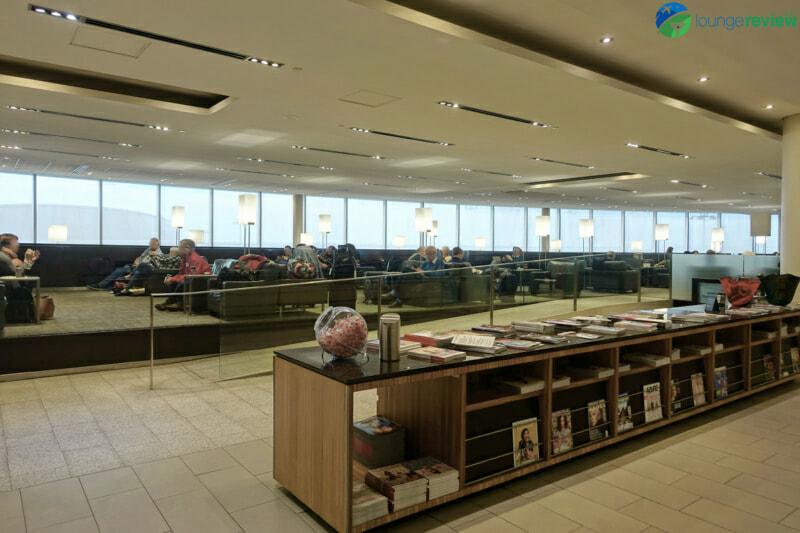 YYZ air canada maple leaf lounge yyz domestic 07799 800x533