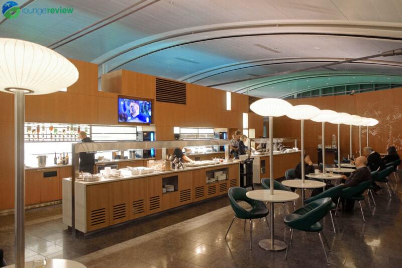 YYZ air canada maple leaf lounge yyz international terminal 07951 800x533