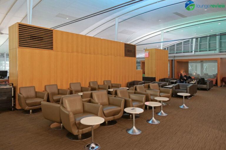 YYZ air canada maple leaf lounge yyz international terminal 07957 768x512