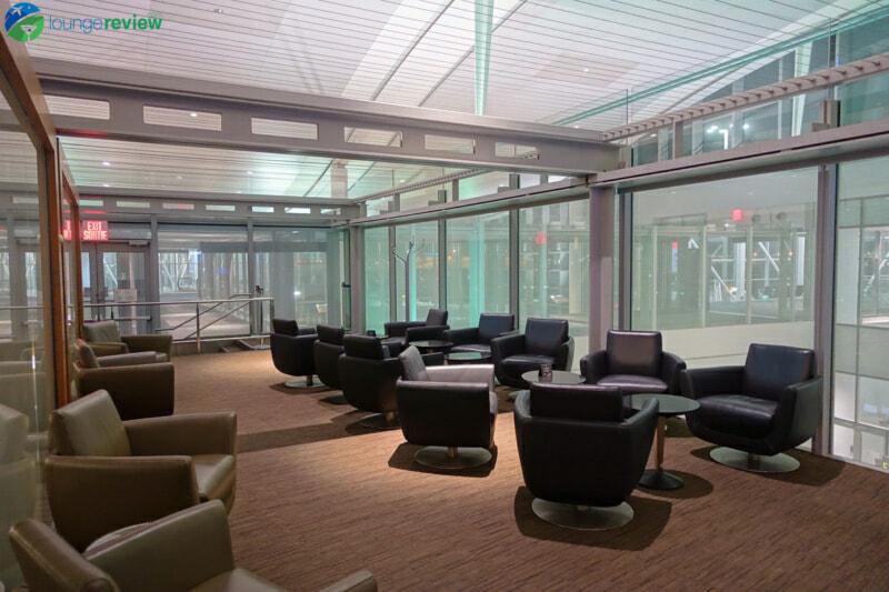 YYZ air canada maple leaf lounge yyz international terminal 07997 800x533