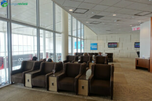 YYZ plaza premium lounge yyz terminal 1 domestic 07701 310x207