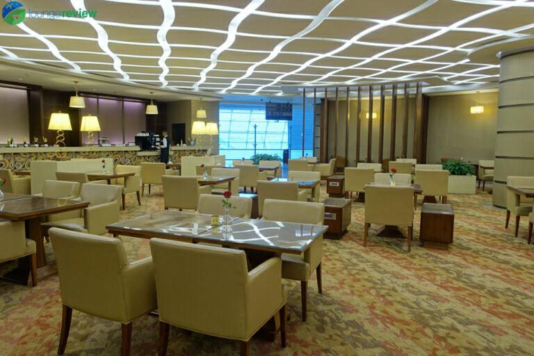 DXB emirates first class lounge dxb terminal 3 concourse a 01990 768x512