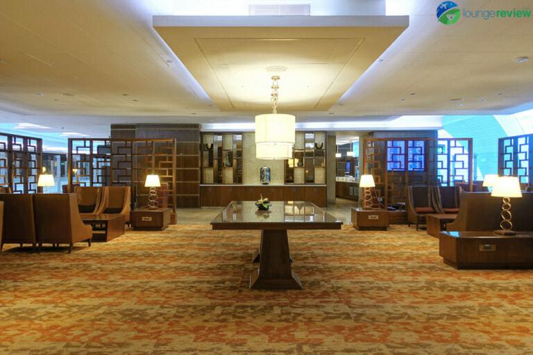 DXB emirates first class lounge dxb terminal 3 concourse a 02006 768x511