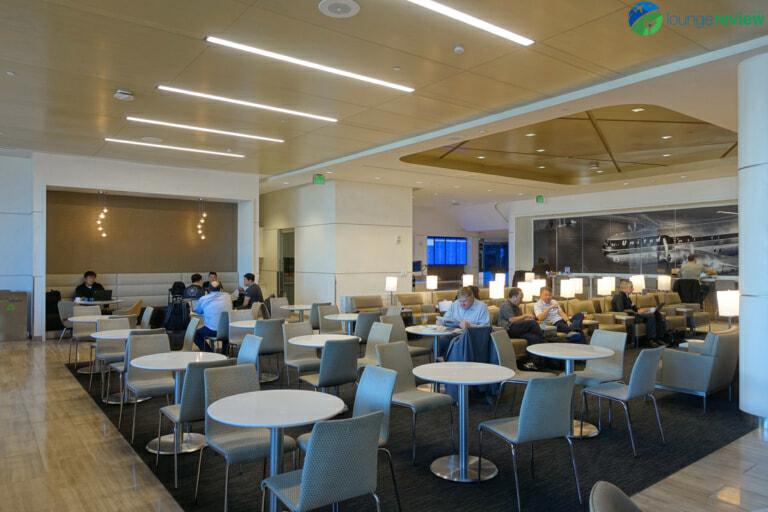 SFO united club sfo terminal 3 concourse e 07170 768x512
