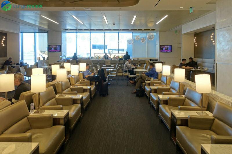 SFO united club sfo terminal 3 concourse e 07186 800x533