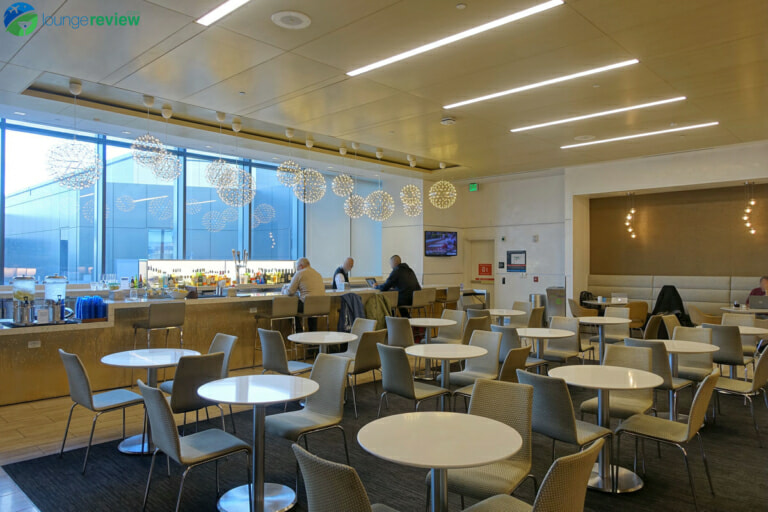 SFO united club sfo terminal 3 concourse e 07214 768x512