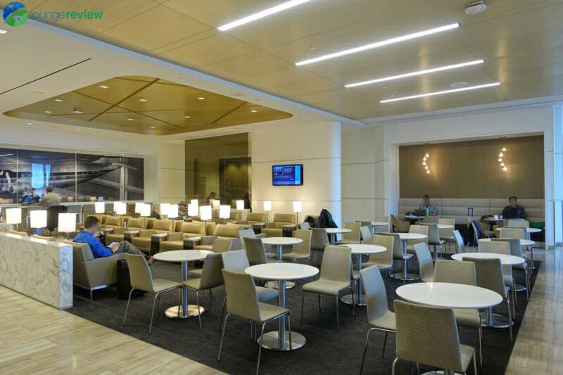 SFO united club sfo terminal 3 concourse e 07220 800x533