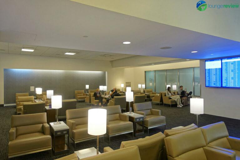 SFO united club terminal 3e mezzanine 05874 768x512