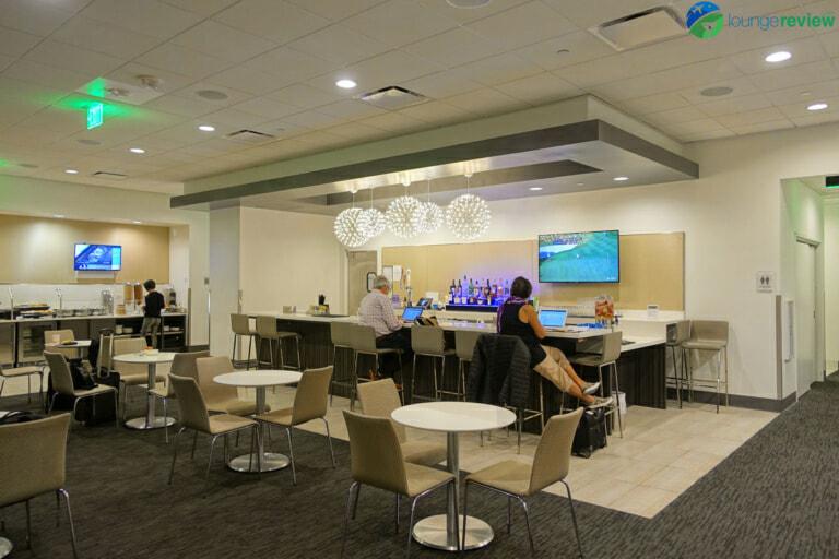 SFO united club terminal 3e mezzanine 05898 768x512